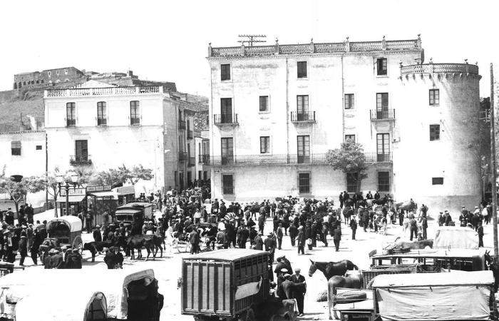 54559-1935-Placa-Bous--mercat.png
