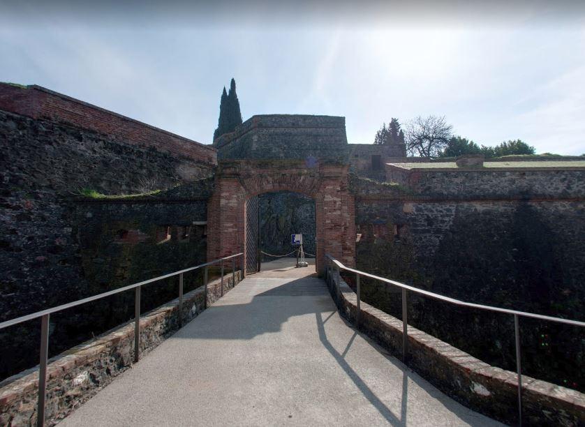 Visite virtuelle du château Hostalric