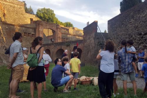 Visite de famille au château d'Hostalric